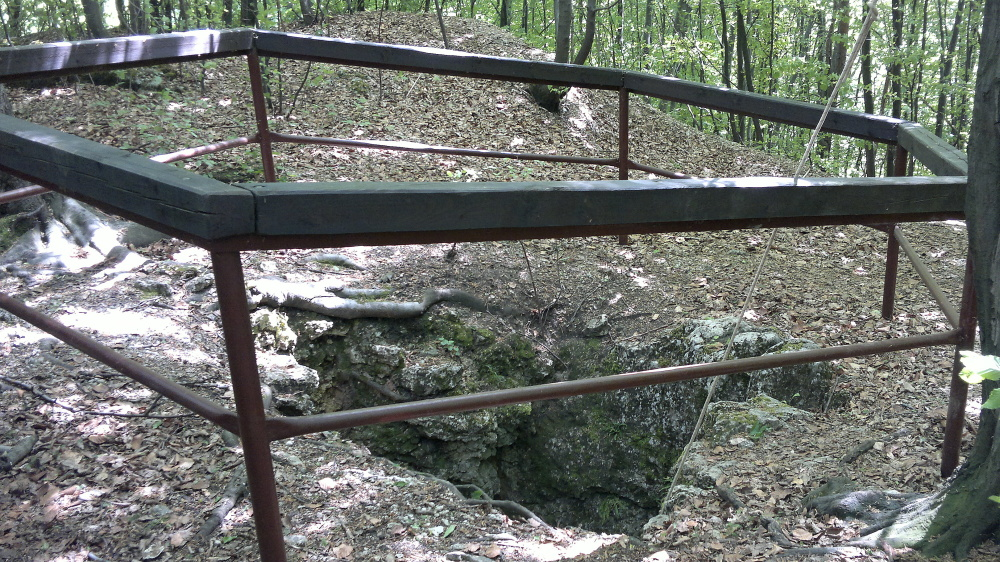 jaskinia-wielkanocna-02