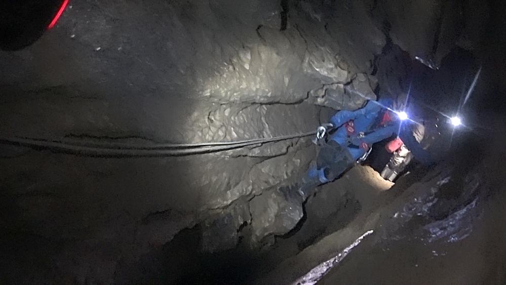 jaskinia-sniezna-7-wodociagi