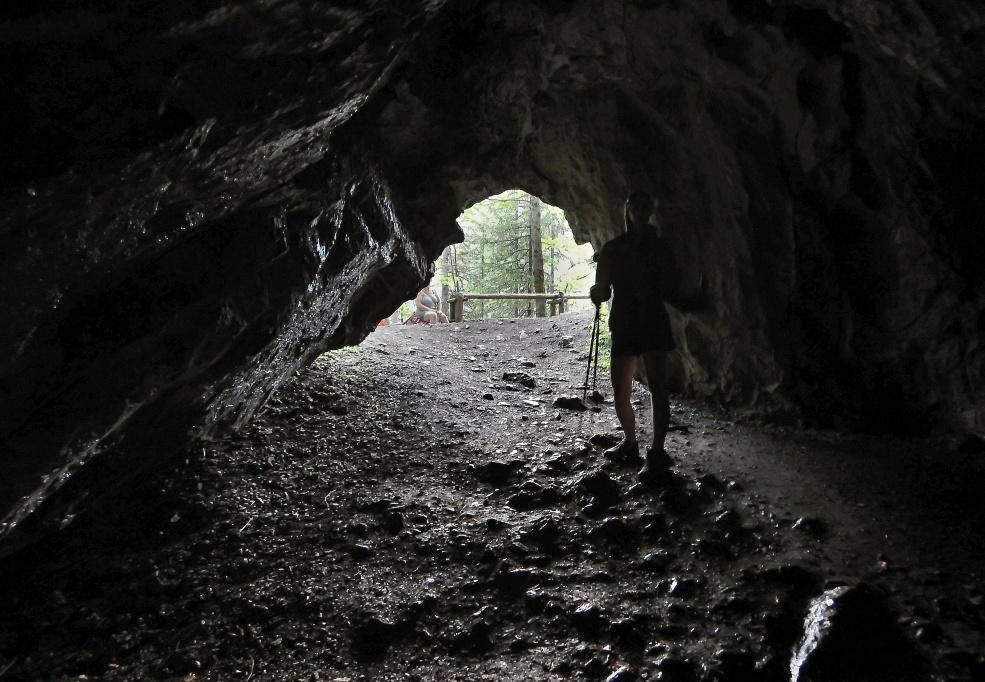 jaskinia_dziura_ku_dziurze_4