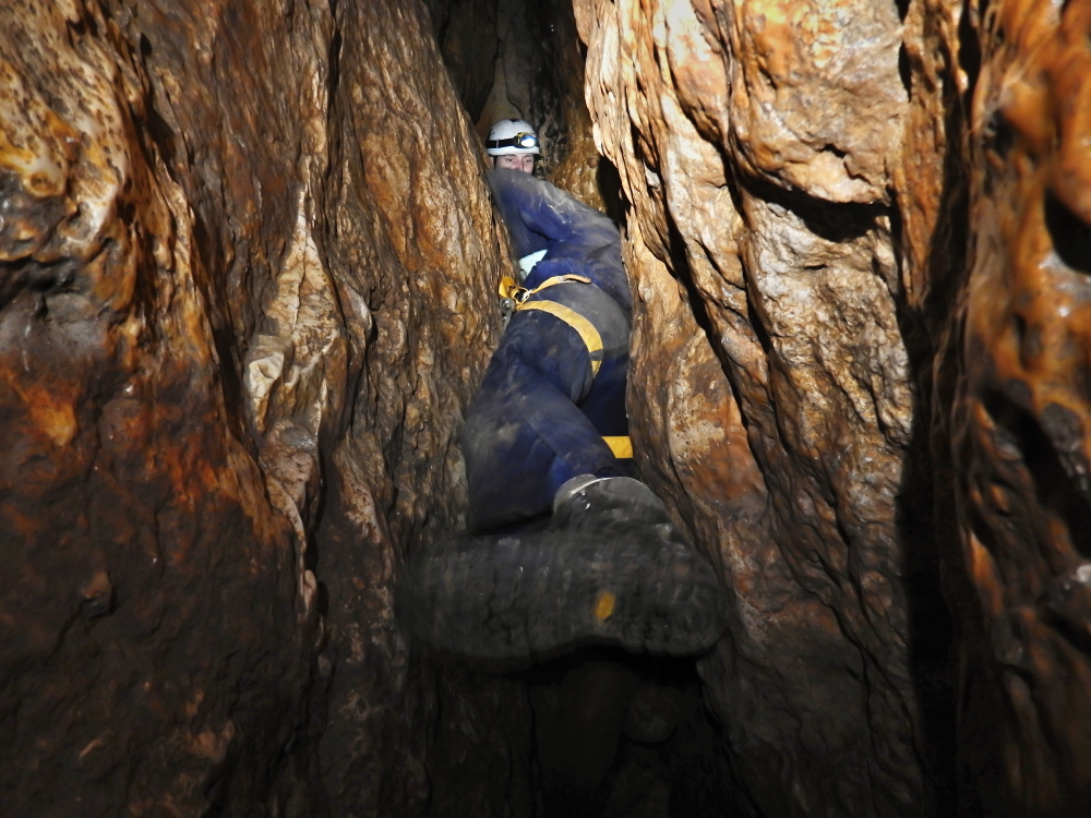 maraton-jaskiniowy-speleoklubu-bielsko-biala-jaskinia-pietrowa-szczelina-04-jpg