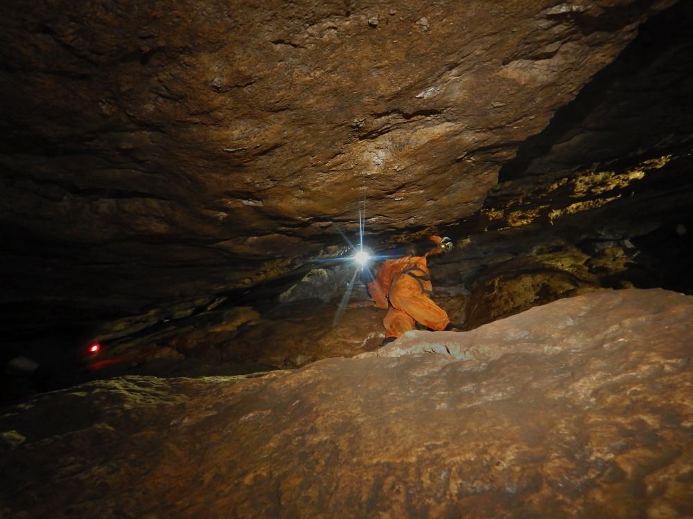 maraton-jaskiniowy-speleoklubu-bielsko-biala-jaskinia-pietrowa-szczelina-07-jpg