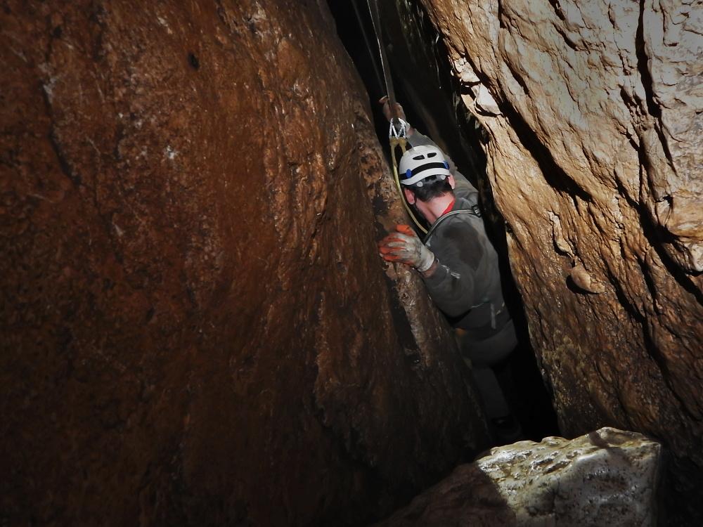 maraton-jaskiniowy-speleoklubu-bielsko-biala-jaskinia-pietrowa-szczelina-11-jpg